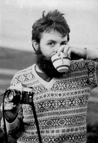 Paul-McCartney-a-cup-of-tea-and-a-Pentax-Spotmatic