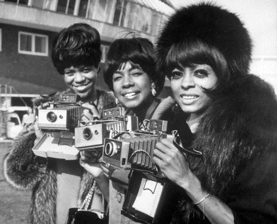The-Supremes-with-their-Polaroid-Land-cameras