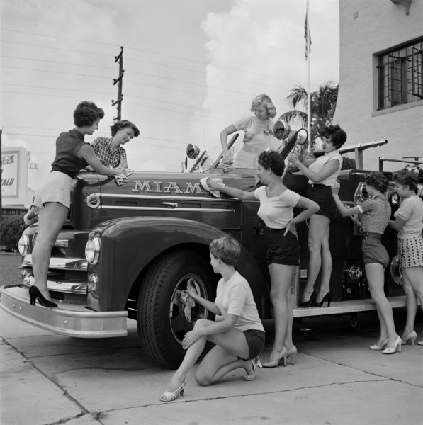bunny-yeager-pinup-girls-fire-truck